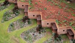 The Great Wall of WA / Luigi Rosselli