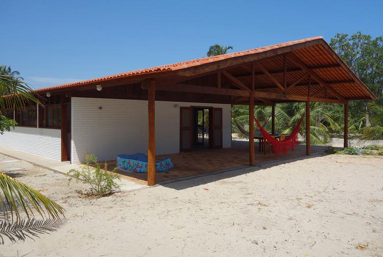 Casa en Peixe Gordo / Arquitetos Associados, Cortesía de Alexandre Brasil