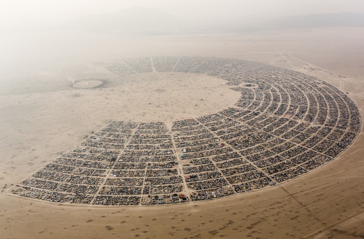 Open Call: Redesign the Burning Man City Plan, The existing structure of Burning Man. Image © Flicker CC User Duncan Rawlinson - @thelastminute - Duncan.co