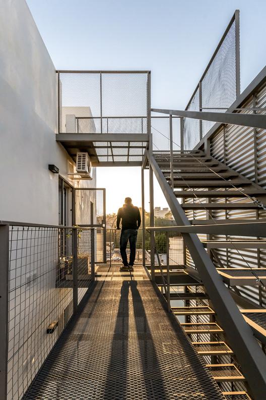 [Cuatro] Apartmentos / Estudio A+3, © Gonzalo Viramonte