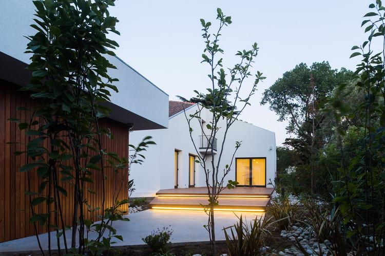 Residencia Oficial del Consulado de la República de Namibia / Sofia Granjo Arquitetos, © A Caixa Negra