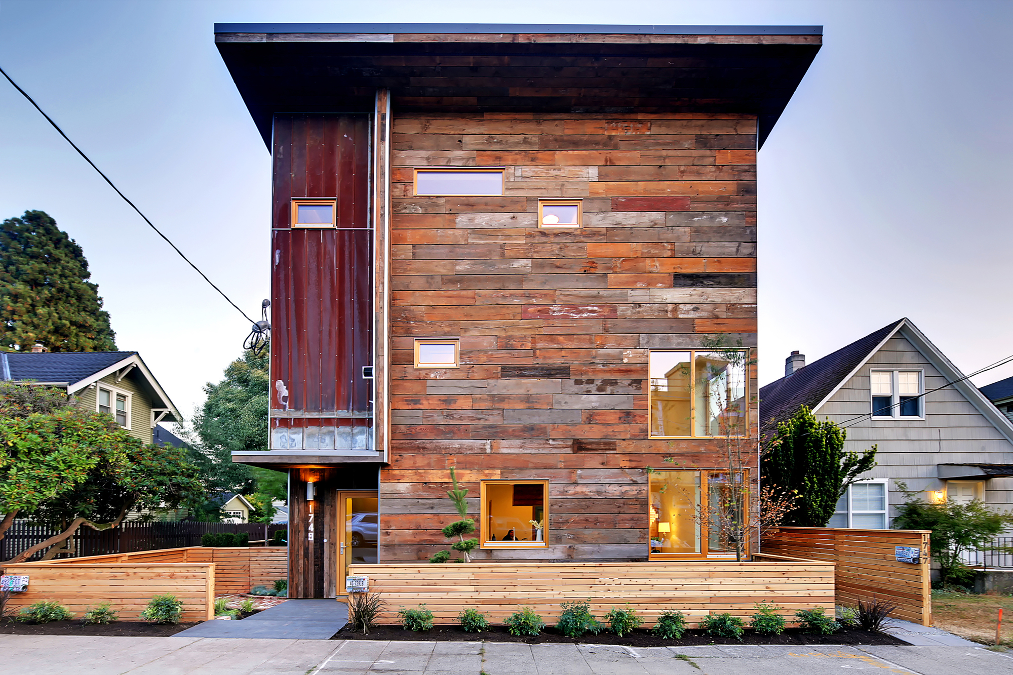 The greenest home on the block caron architecture - Pintura para casas modernas ...