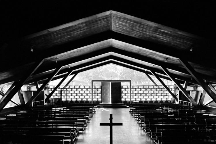 Clássicos da Arquitetura: Vila Serra do Navio / Oswaldo Bratke, © Nelson Kon