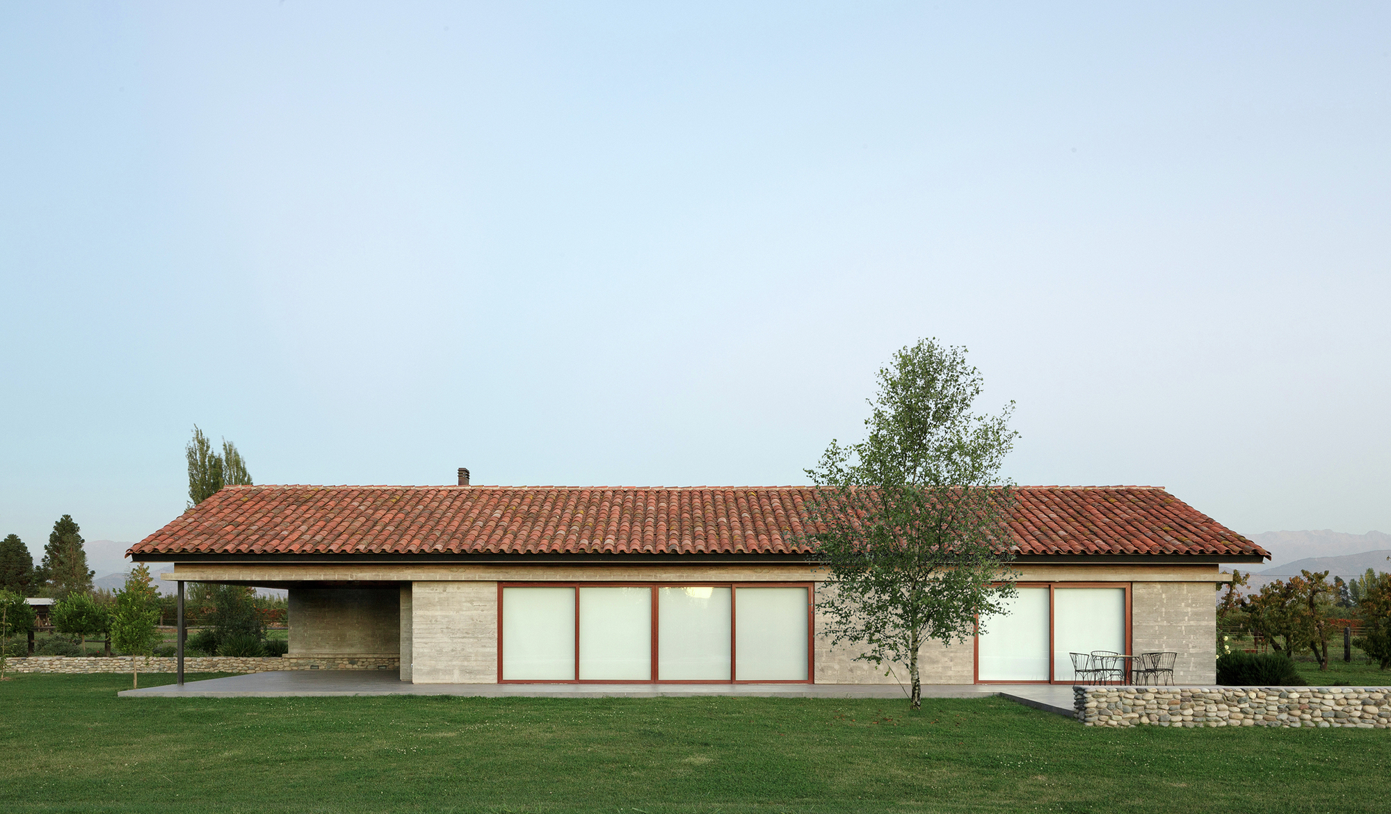 Casa de campo paula livingstone max velasco for Casa de campo arquitectura