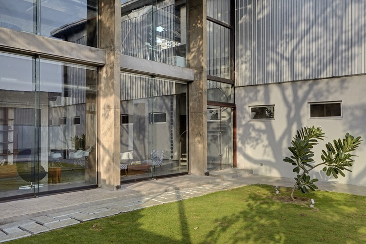 architectural design studio address. Rajesh Vora Automobile Design Studio  SJK Architects ArchDaily