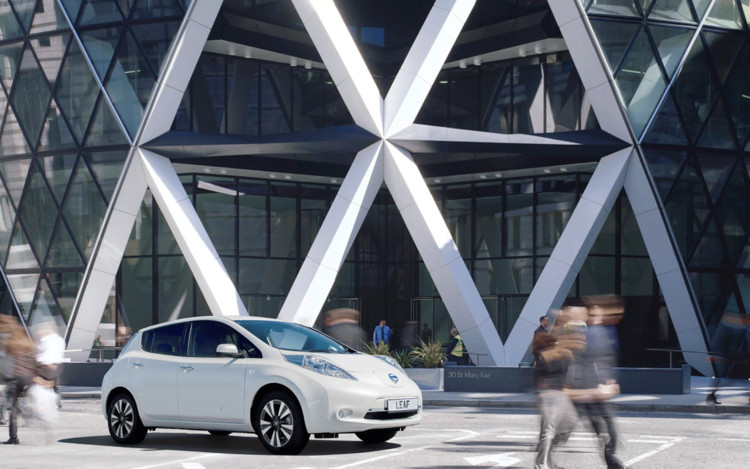 Foster Teams with Nissan to Envision Fuel Station of the Future, © Foster + Partners