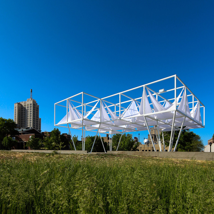 "Pulitzer Arts Foundation and Sam Fox School of Design & Visual Arts Announce Second ""PXSTL"" Design Competition, Last year's PXSTL Structure by Freecell Architecture. Image Courtesy of Freecell Architecture"