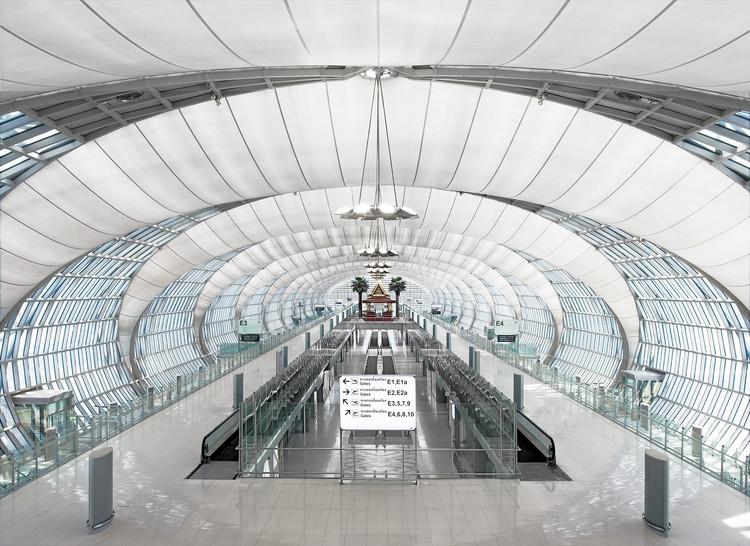 Passenger Terminal Complex Suvarnabhumi Airport / Jahn, © Rainer Viertlboeck