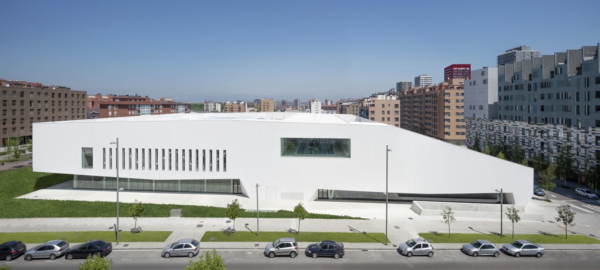 salburua civic center    acxt
