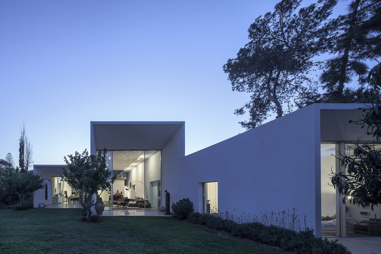 T/A House / Paritzki & Liani Architects, © Amit Geron