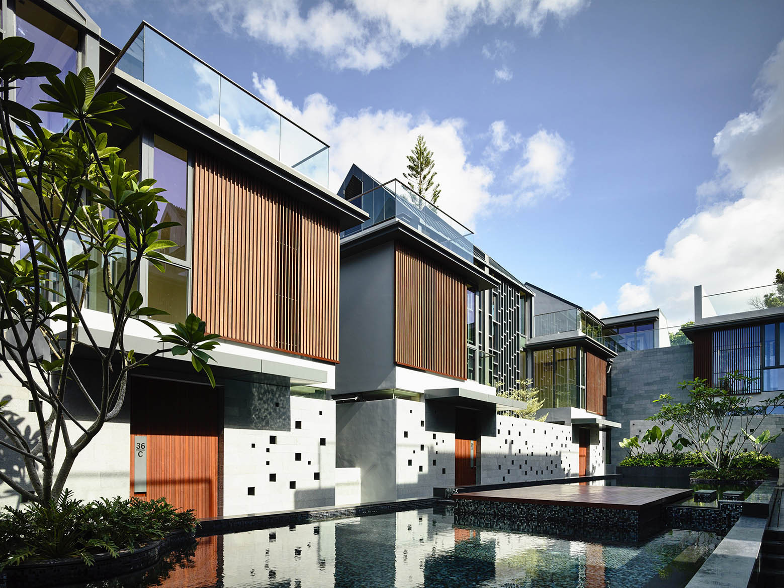 Gallery of toh crescent hyla architects 13 for In house architect