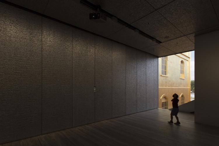 68043da73 Galeria: Fondazione Prada do OMA fotografada por Laurian Ghinitoiu ...
