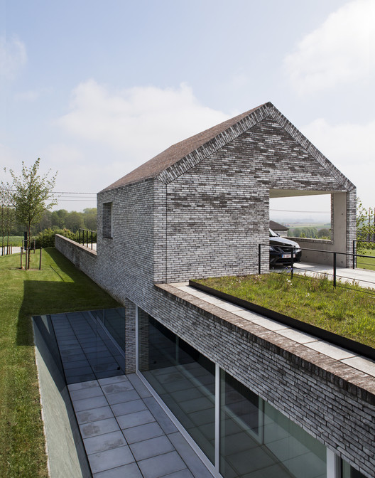 Villa h in w st phane beel architect archdaily for Villa architect