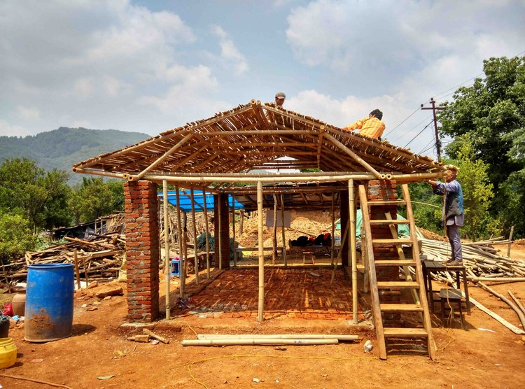 Easily Reproducible Disaster Relief Constructions in Bamboo, Cortesía de rOOtstudio
