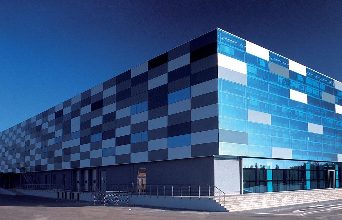 QuadroClad Glass Faade Panels / Hunter Douglas Contract