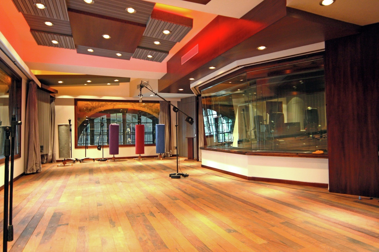 Gallery of vivace music brings world class wsdg studio to for Music studio flooring
