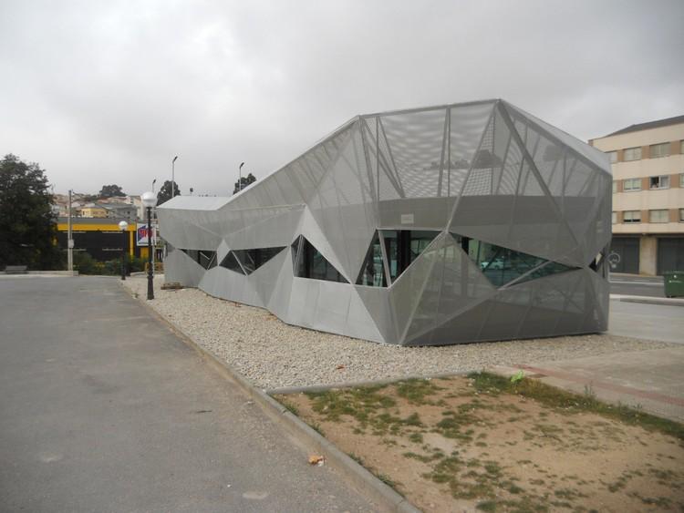 Oficina de turismo en arteixo alejandro garc a y for Oficina de turismo a coruna