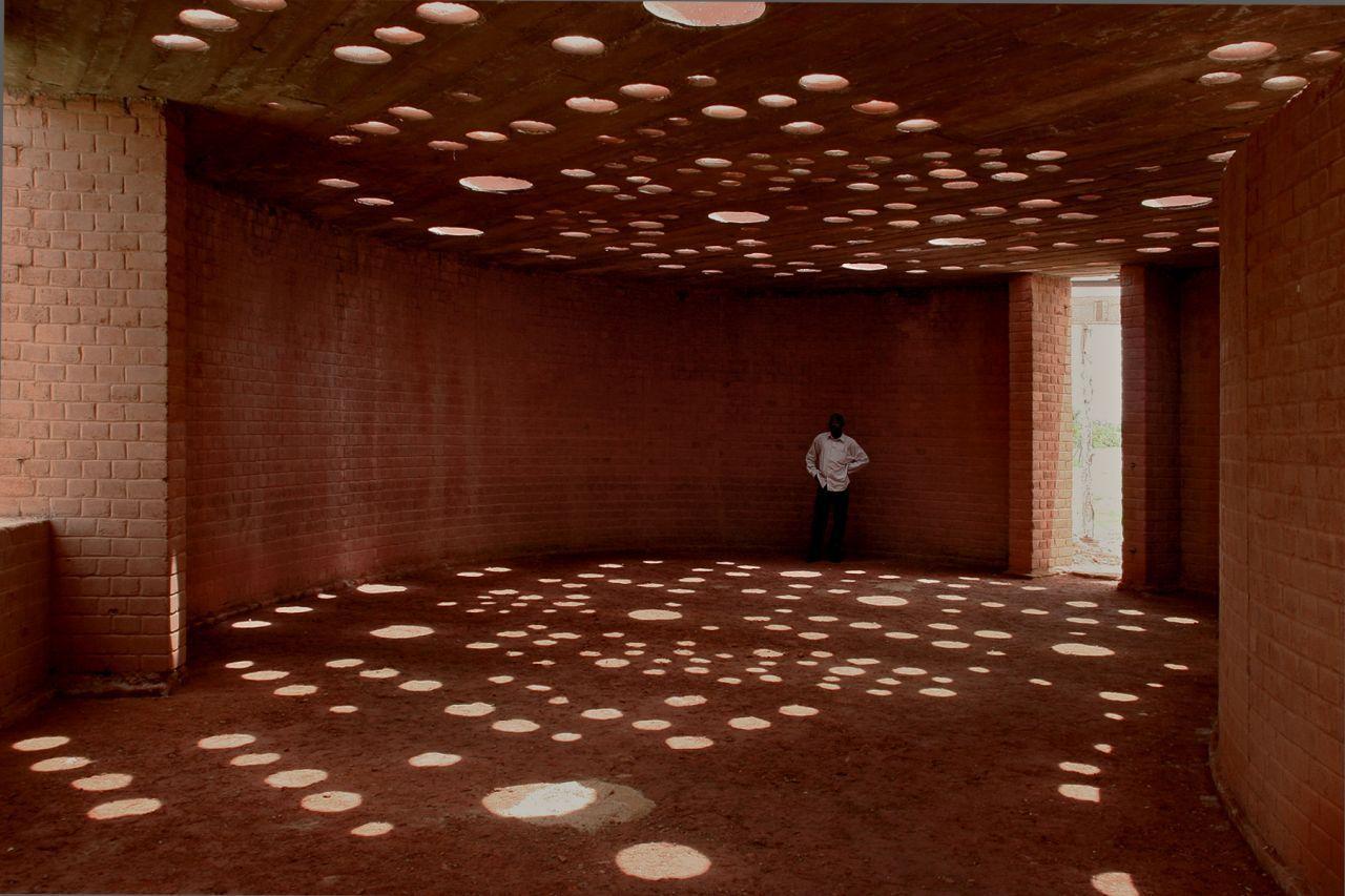 Galería de En Construcción: Biblioteca Escolar en Gando / Kere Architecture  - 2