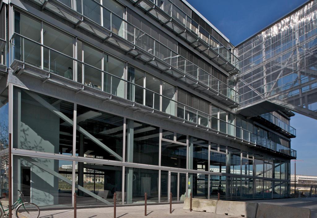 Galer a de escuela de arquitectura de nantes lacaton - Escuela de arquitectura de valladolid ...