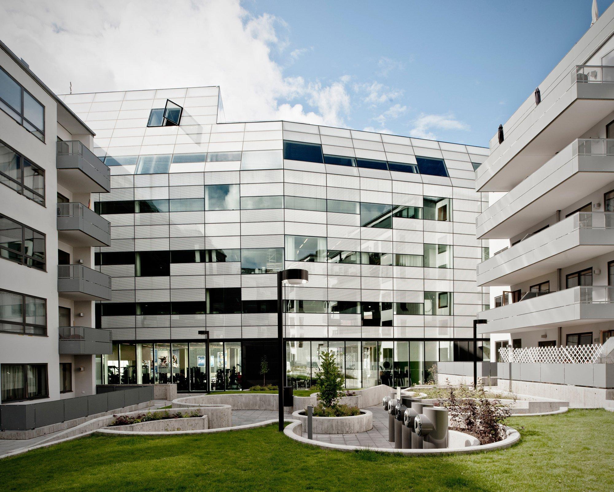 Galer a de edificio de oficinas m ltaren rosenbergs for Edificio oficinas