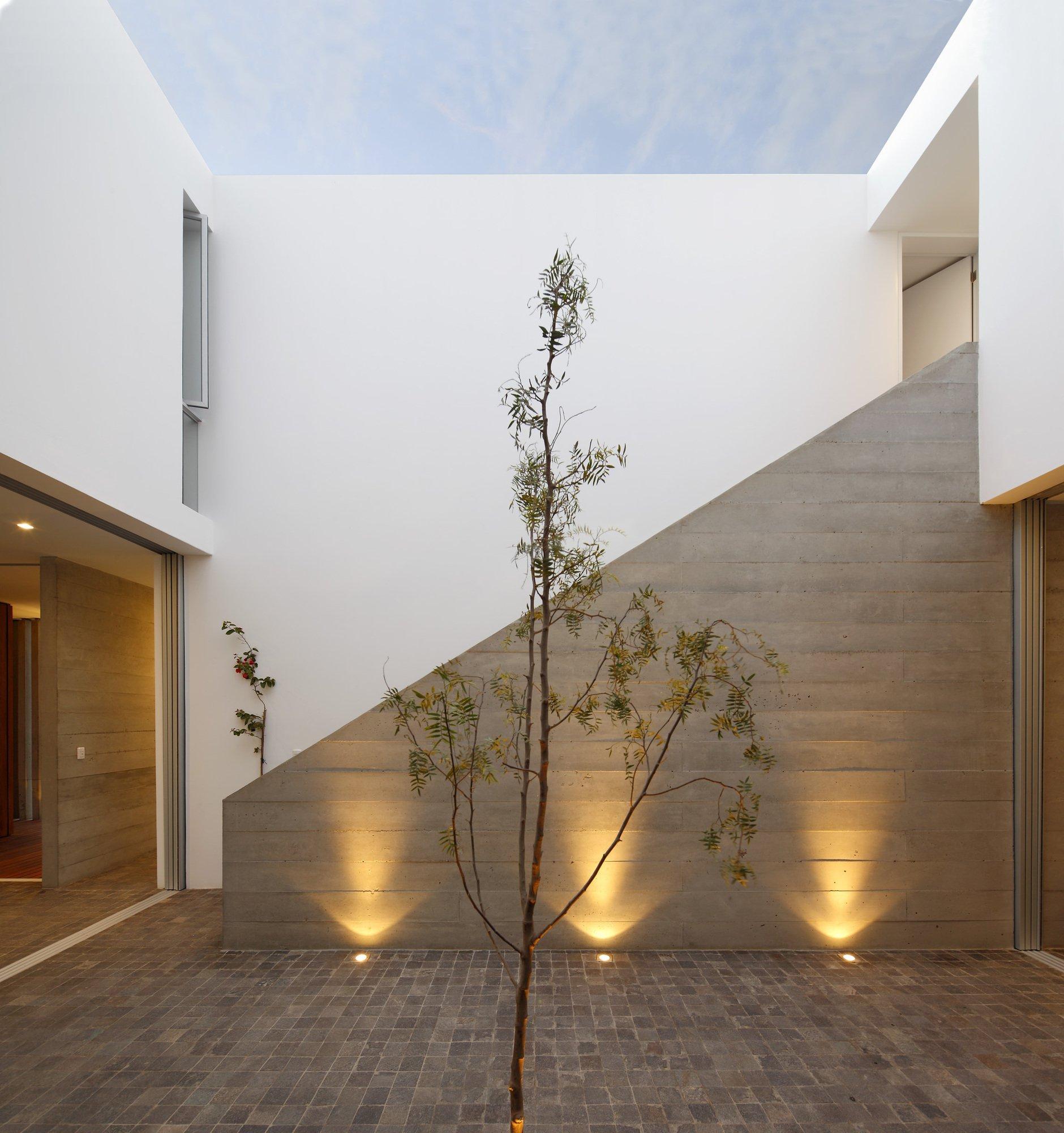 Galer a de casa la isla llosa cortegana arquitectos 13 for Decoracion de iluminacion interior
