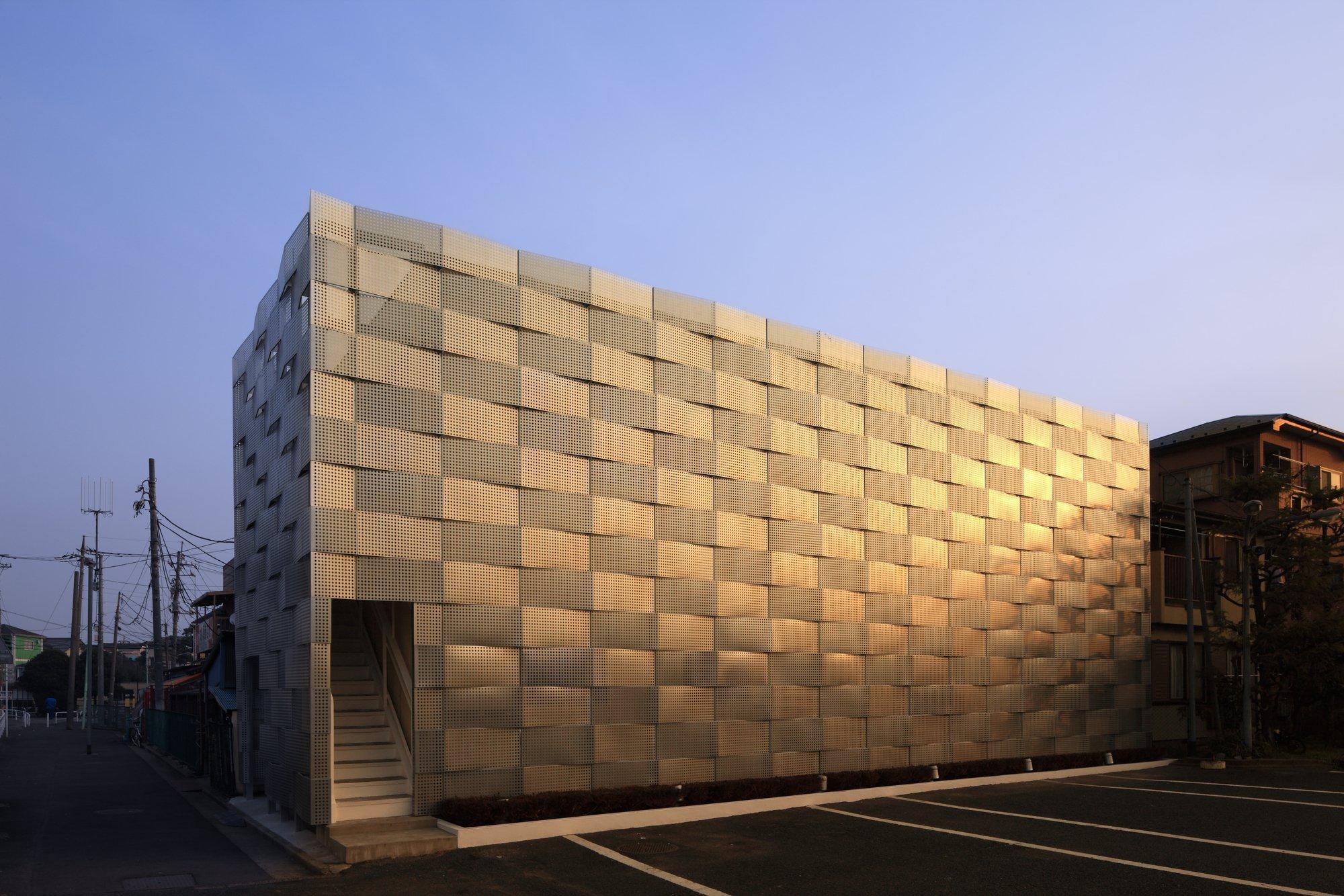 Galer a de renovaci n del club edogawa garage jun ichi for 2 1 2 metratura del garage