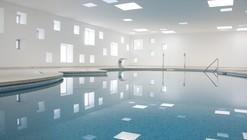 Piscina climatizada y spa en Mallorca / A2arquitectos