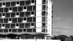 Clásicos de Arquitectura: FAP Chiclayo / Adolfo Córdova & Carlos Williams