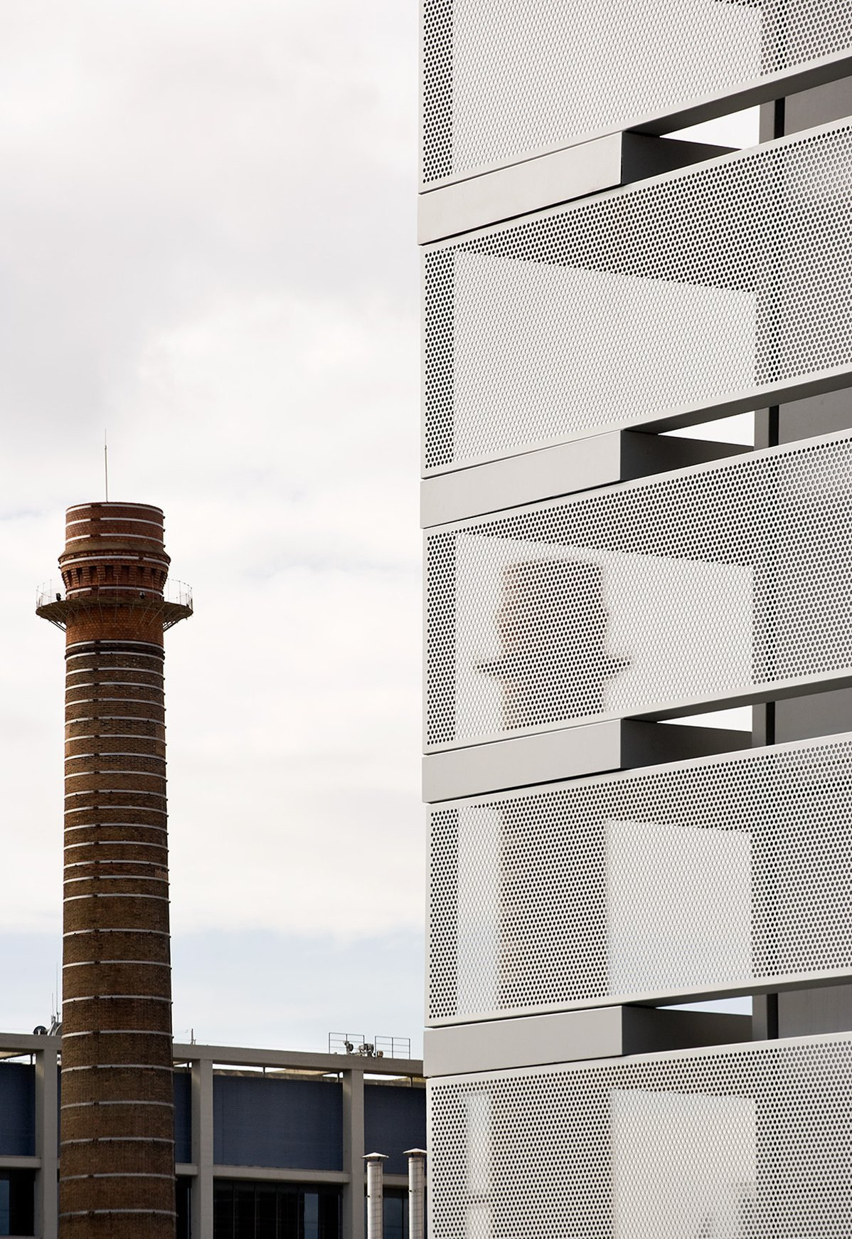Galer a de edificio de oficinas de la tesorer a de la seguridad social bcq arquitectura - Oficina seguridad social barcelona ...