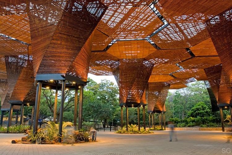 Orquideorama plan b arquitectos jprcr arquitectos for Guarda cosas para jardin