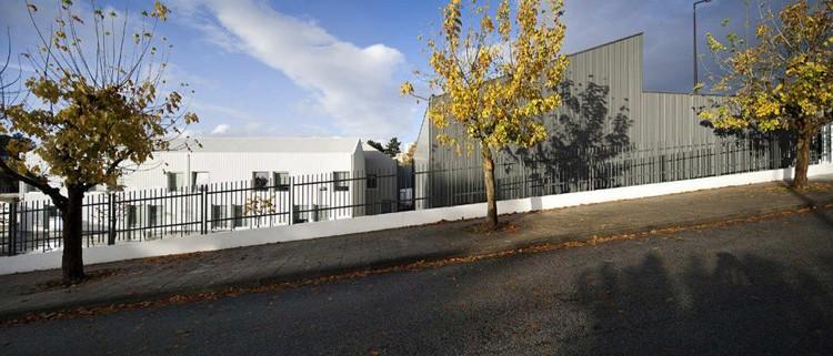 Centro escolar de paredes atelier nuno lacerda lopes - Maison ribatejo y atelier nuno lacerda lopes ...