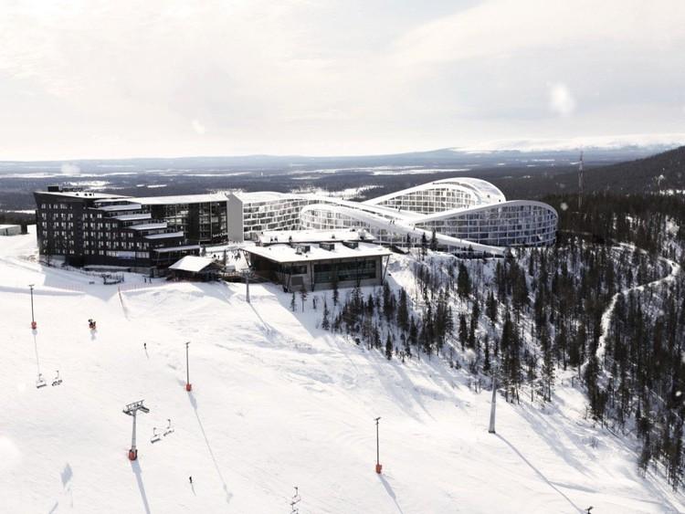BIG diseña Resort de lujo en Finlandia cuyas cubiertas son verdaderas pistas de esquí, Cortesía de BIG