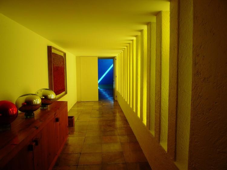 Cl sicos de arquitectura casa gilardi luis barrag n - El color en la arquitectura ...
