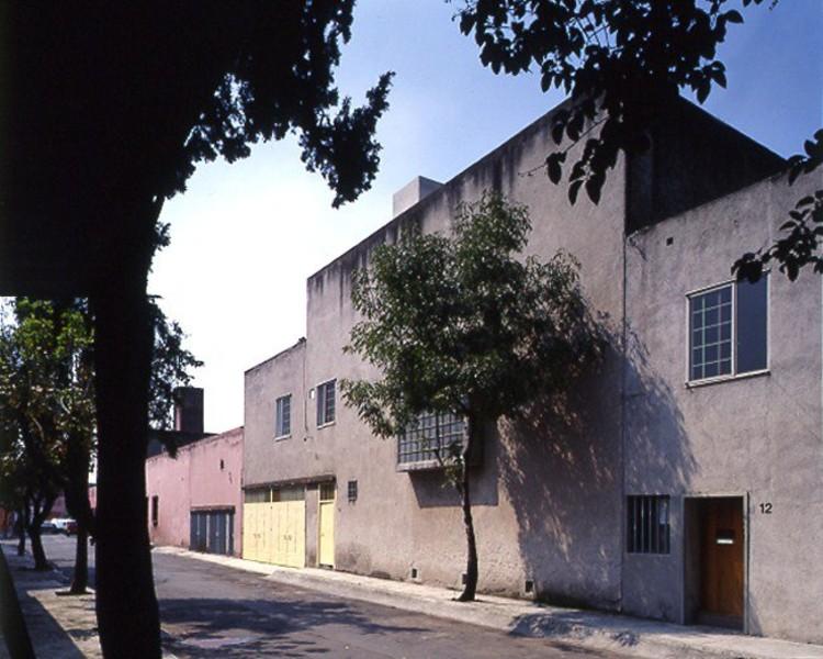 Cl sicos de arquitectura casa estudio luis barrag n for Casa minimalista historia