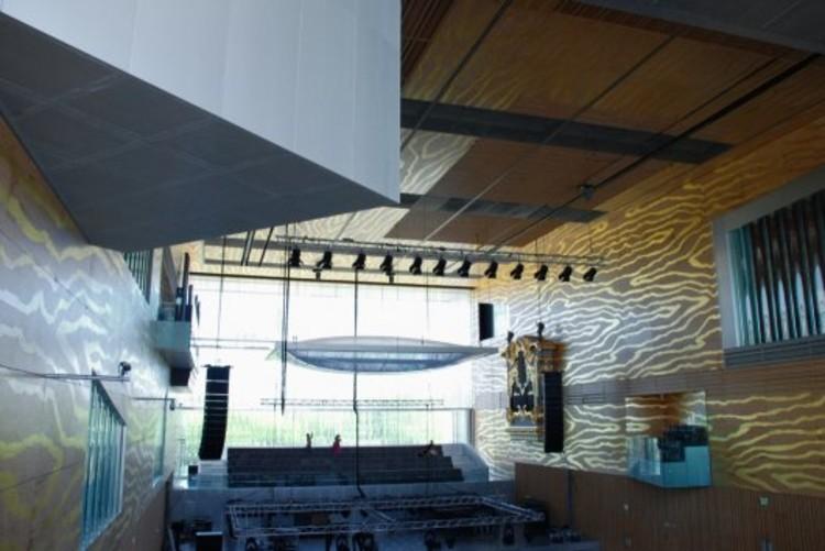 Plataforma en viaje casa da m sica rem koolhaas - Casa de la musica oporto ...