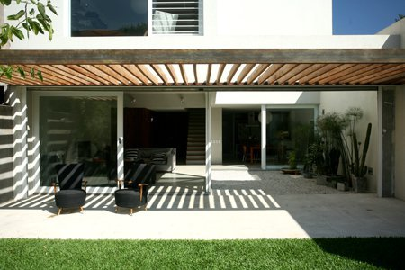 Galer a de casa njk vicente lopez 16 for Modelos de techos para galerias