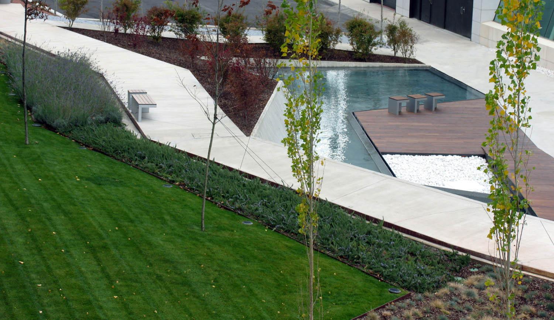 Galer a de jardines del museo w rth la rioja en agoncillo logro o dom arquitectura 10 - Jardines de azahar rioja ...