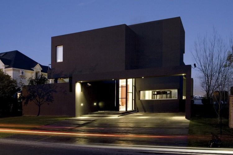 casa negra andres remy arquitectos plataforma arquitectura