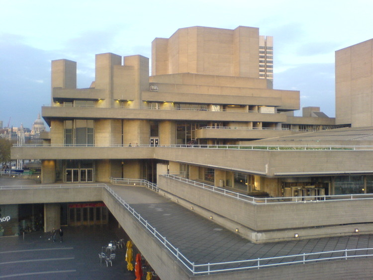 AD Classics: Royal National Theatre / Denys Lasdun, Exterior terraces. Image © flickr user chumpolo