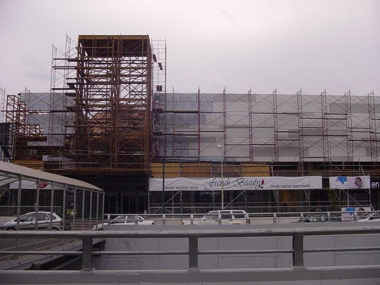 En Construcción: Remodelación Centro Comercial Apumanque / Felipe Assadi