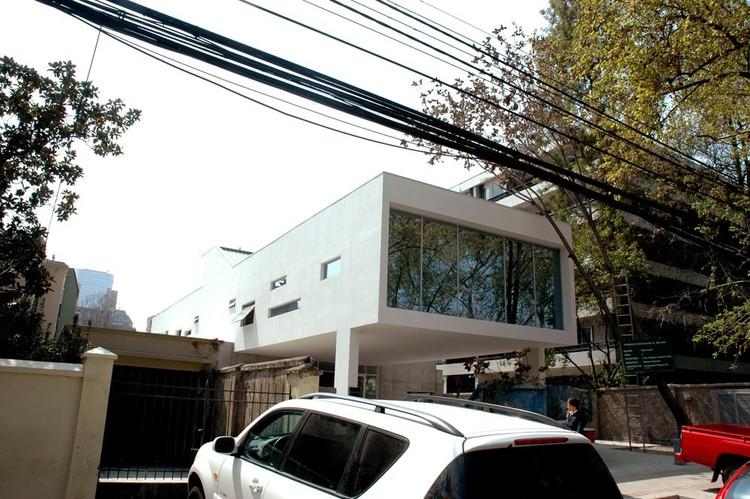 En Construcción: Fundación Diabetes Juvenil de Chile / Oltmann Ahlers W.