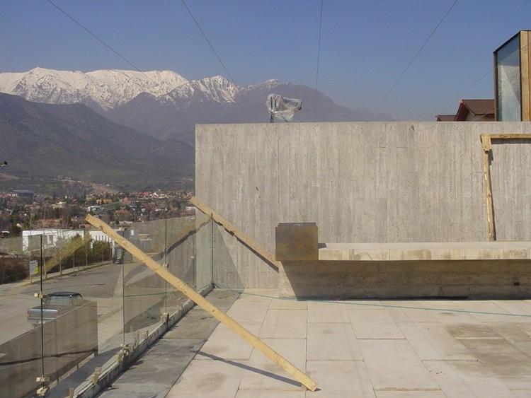 En Construcción: Casa en calle Colina Vista Hermosa / Smiljan Radic