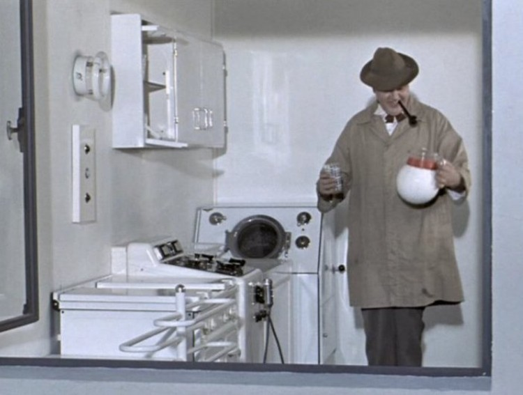 modernity in jacques tatis mon oncle Jaques tati - mon oncle (1958) the struggle of a simple man with a highly modern kitchen and a bouncing jug note: i am fluent in both english and french.