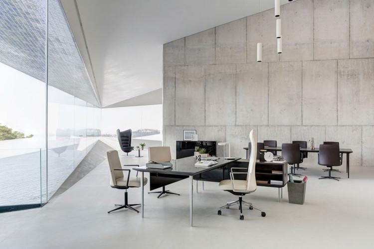 Nuevos mobiliarios de oficina para nuevas formas de for Arquitectura de oficinas