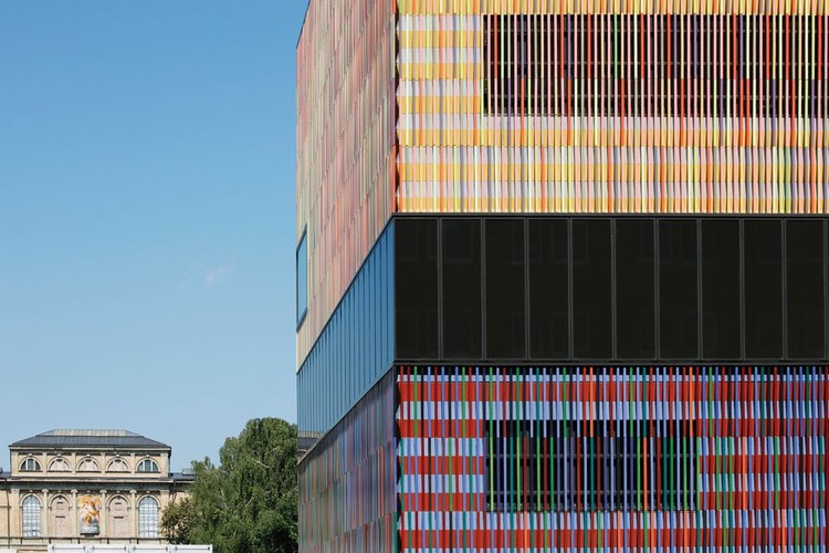 hunter douglas contract | author | archdaily