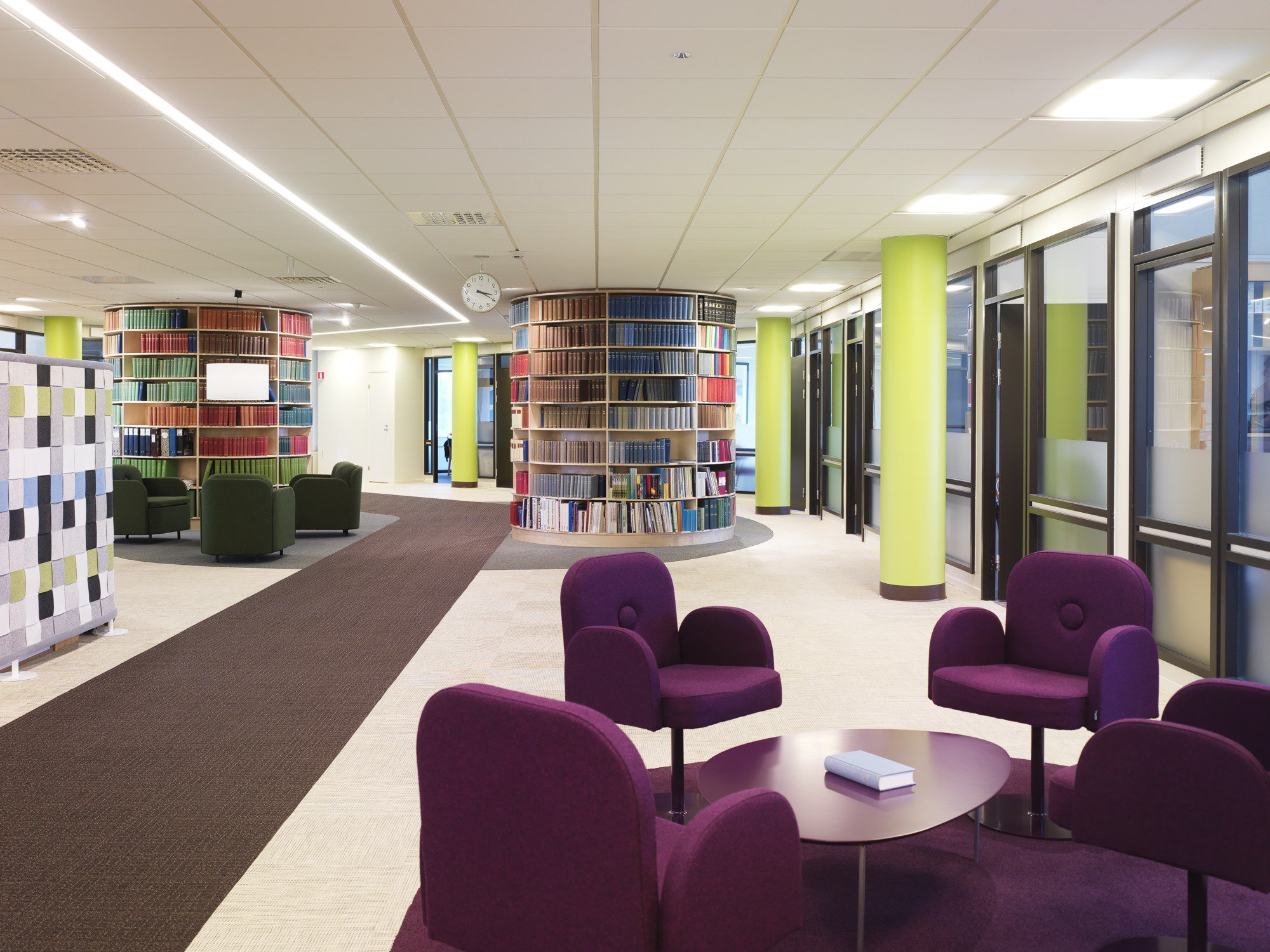 Gallery of svensk travsport offices note design studio 3 for Studio interior design brescia