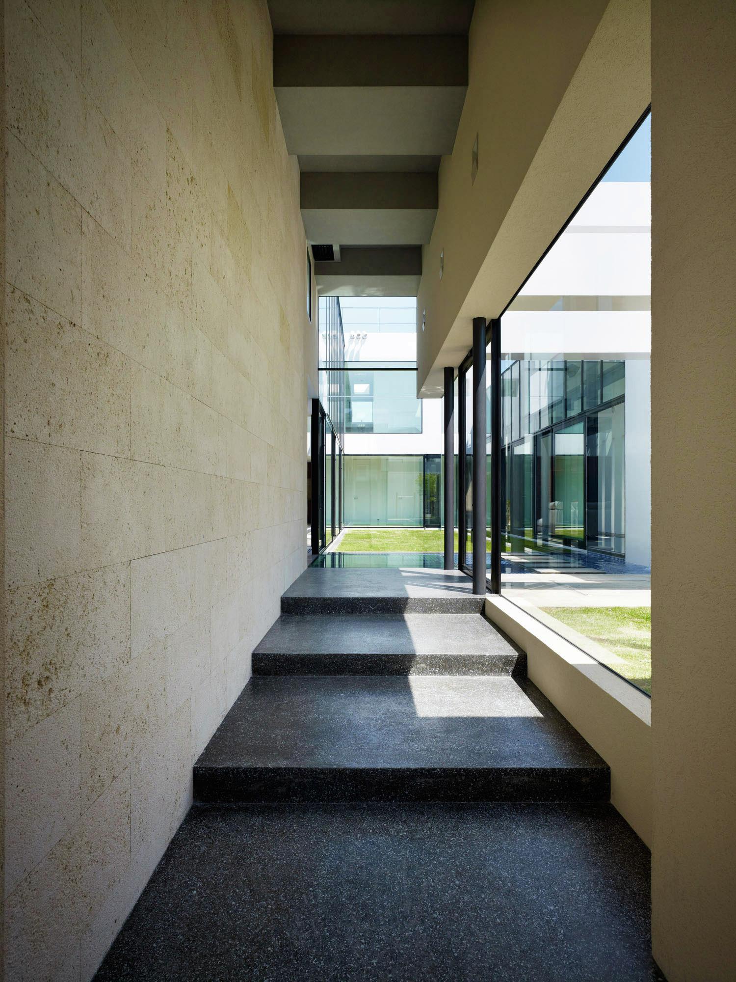 Gallery of sense kazutoshi imanaga 19 for Modern japanese house design by hiroshi nakamura