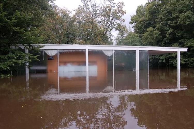 La Casa Farnsworth se llovió