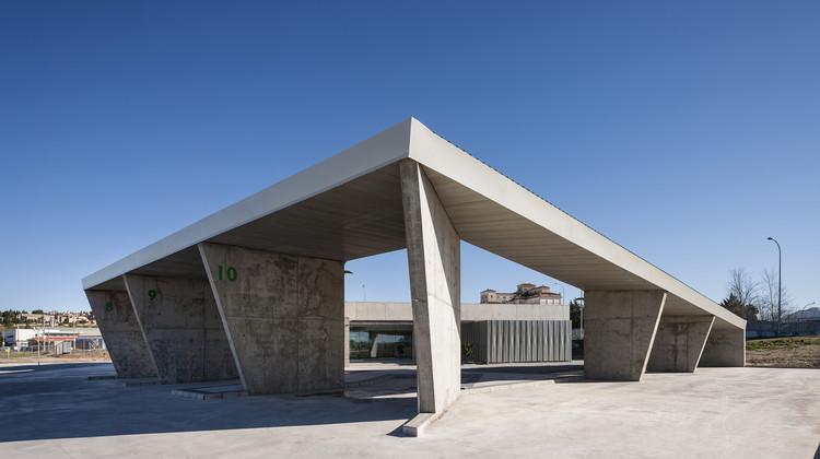 Bus Station of Trujillo  / Ismo Arquitectura, © Fernando Alda