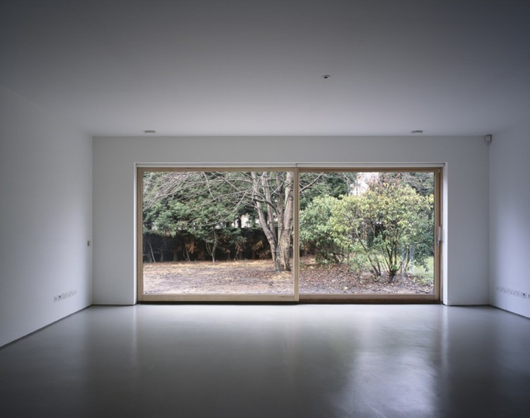 British Architect Jonathan Woolf Dies Aged 54, Painted House / Jonathan Woolf architects with Bharat Patel. Image © Helene Binet